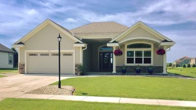 Oconomowoc Single Family Home Active Contingent With Offer: 1417 Mamerow Ln W