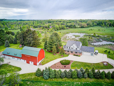 Hartland Single Family Home Active Contingent With Offer: N92w31300 Hoff Rd