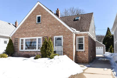 Whitefish Bay Single Family Home Active Contingent With Offer: 4864 N Hollywood Ave