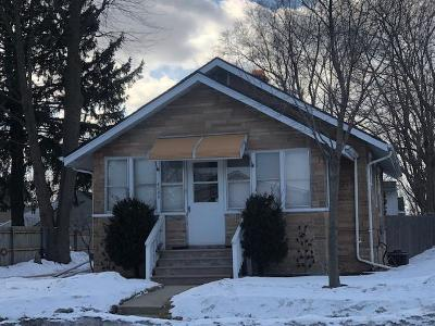 Kenosha Single Family Home For Sale: 4030 30th Ave