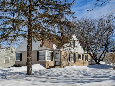 Wauwatosa Single Family Home Active Contingent With Offer: 4330 Glenway St