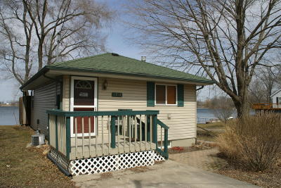 Delavan Single Family Home For Sale: W8768 Lake Rd