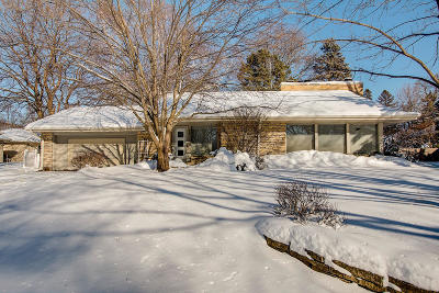 Milwaukee Single Family Home Active Contingent With Offer: 3116 N Menomonee River Pkwy
