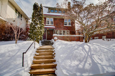 Milwaukee Single Family Home For Sale: 2230 N Summit Ave