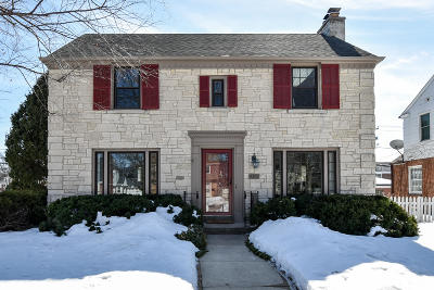 Wauwatosa Single Family Home Active Contingent With Offer: 9309 Beverly Pl
