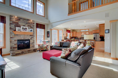 Menomonee Falls Single Family Home Active Contingent With Offer: N61w12819 Hemlock Ct