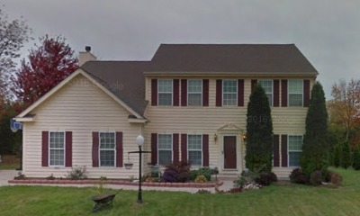 Milwaukee Single Family Home Active Contingent With Offer: 10830 W Green Tree Rd