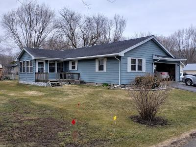 Delavan WI Single Family Home For Sale: $239,900