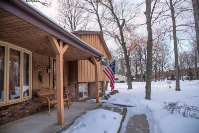 West Bend Single Family Home Active Contingent With Offer: 6737 Eastwood Trl