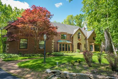 Single Family Home For Sale: 225 E Ravine Baye Rd