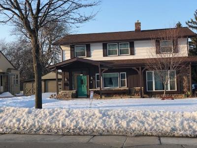 West Allis Single Family Home For Sale: 8940 W Cleveland Ave