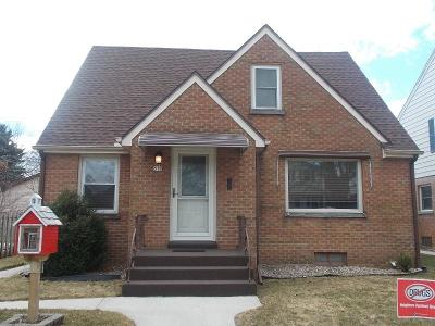 Sheboygan Single Family Home For Sale: 519 Clement Ave