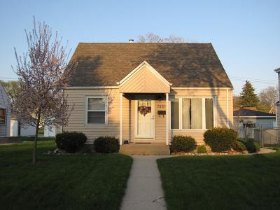 Milwaukee Single Family Home For Sale: 3430 N 89th St