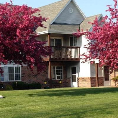 Oak Creek Condo/Townhouse Active Contingent With Offer: 200 W Aspen Ct #3