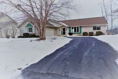 Racine Single Family Home Active Contingent With Offer: 816 Kentwood Dr