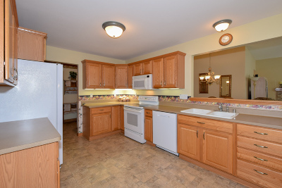 Waterford Condo/Townhouse Active Contingent With Offer: 615 Hickory Hollow Rd #A