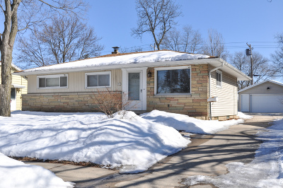 West Allis Single Family Home Active Contingent With Offer: 2920 S 105th St