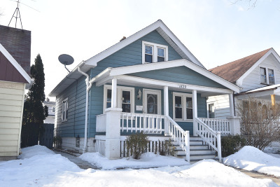 Milwaukee Single Family Home Active Contingent With Offer: 1429 E Oklahoma Ave