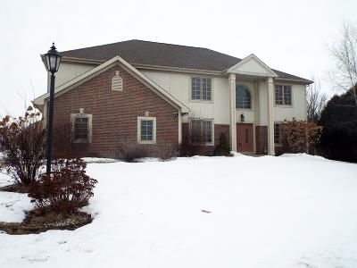 Pewaukee Single Family Home For Sale: W243n2797 Creekside Dr