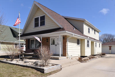 Milwaukee Single Family Home For Sale: 5270 S 26th St