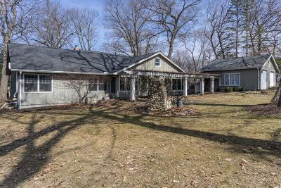 Pewaukee Single Family Home For Sale: W292n2051 Elmhurst Dr