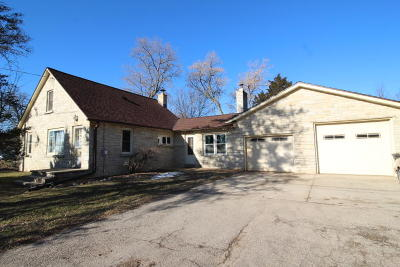 Sussex Single Family Home Active Contingent With Offer: W232n6093 Waukesha Ave