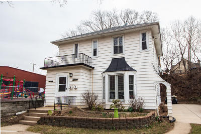 Wauwatosa Multi Family Home For Sale: 1416 Martha Washington Dr #1418