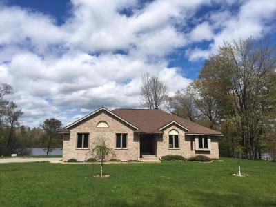 Marinette County Single Family Home For Sale: N4294 Hwy 180
