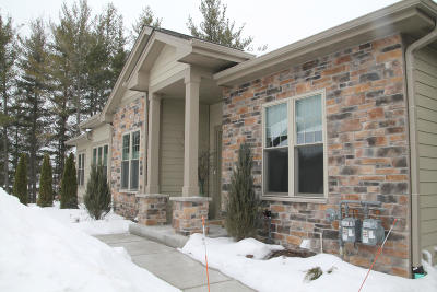 Menomonee Falls Condo/Townhouse Active Contingent With Offer: N57w17885 Tall Pines Cir #18