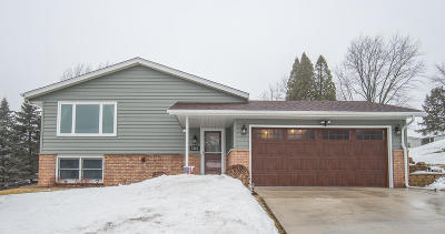 West Bend Single Family Home Active Contingent With Offer: 1528 Jefferson St