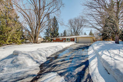 Pewaukee Single Family Home Active Contingent With Offer: N33w22141 Hill N Dale Cir