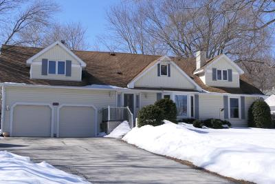 Brookfield Single Family Home Active Contingent With Offer: 1085 Apple Tree Ln