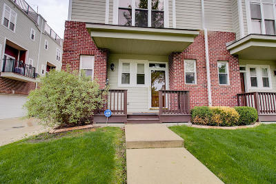 Milwaukee Condo/Townhouse For Sale: 511 W Reservoir Ave