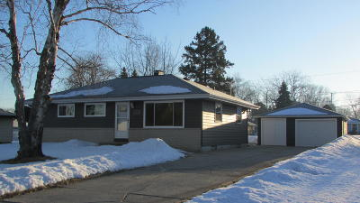 Oak Creek Single Family Home Active Contingent With Offer: 8880 S 11th Ave