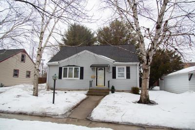 Sheboygan Single Family Home Active Contingent With Offer: 1118 Wilson Ave