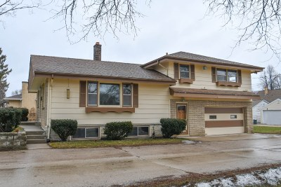 West Allis Single Family Home For Sale: 836 S 95th St