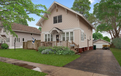 Elkhorn Single Family Home For Sale: 324 N Broad St