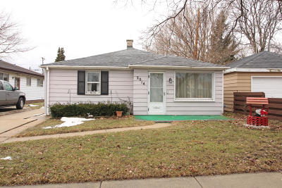 Racine Single Family Home For Sale: 2014 Russet St