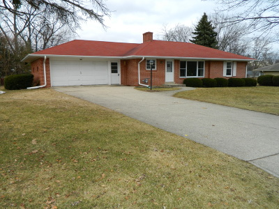 Delavan WI Single Family Home For Sale: $179,000