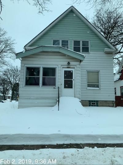 Milwaukee Single Family Home For Sale: 3003 W Hayes Ave