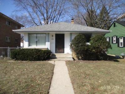Single Family Home For Sale: 5751 N 67th St