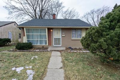 Single Family Home For Sale: 5763 N Teutonia Ave