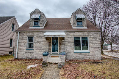 Milwaukee Single Family Home Active Contingent With Offer: 3303 S Adams Ave