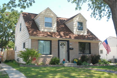 Single Family Home Active Contingent With Offer: 3158 S 50th St