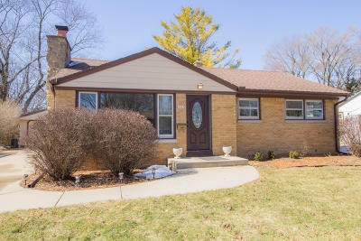 West Allis Single Family Home Active Contingent With Offer: 2883 S 94th St