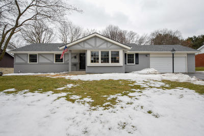 Milwaukee County Single Family Home Active Contingent With Offer: 2419 W Brantwood Ave
