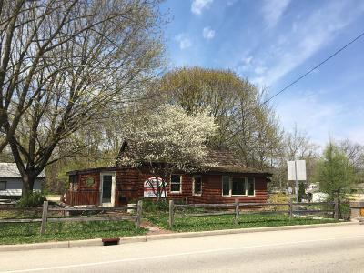 Hartland Single Family Home For Sale: W315n7769 Hwy 83