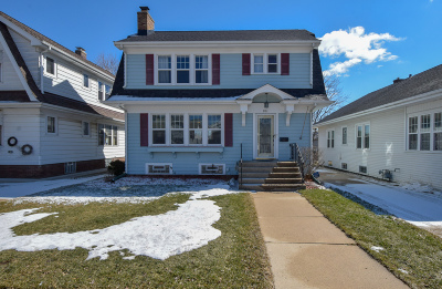 Racine Single Family Home Active Contingent With Offer: 801 Monroe Ave