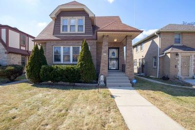 Milwaukee Single Family Home Active Contingent With Offer: 4225 N 17th St