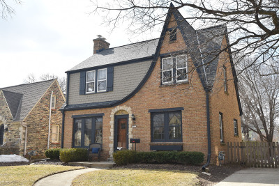 Whitefish Bay Single Family Home Active Contingent With Offer: 5057 N Shoreland Ave